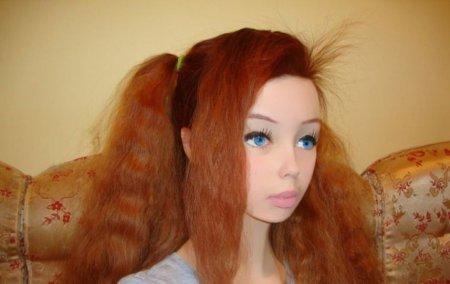 Лолита Ричи - очередная живая сиськастая кукла (ФОТО)