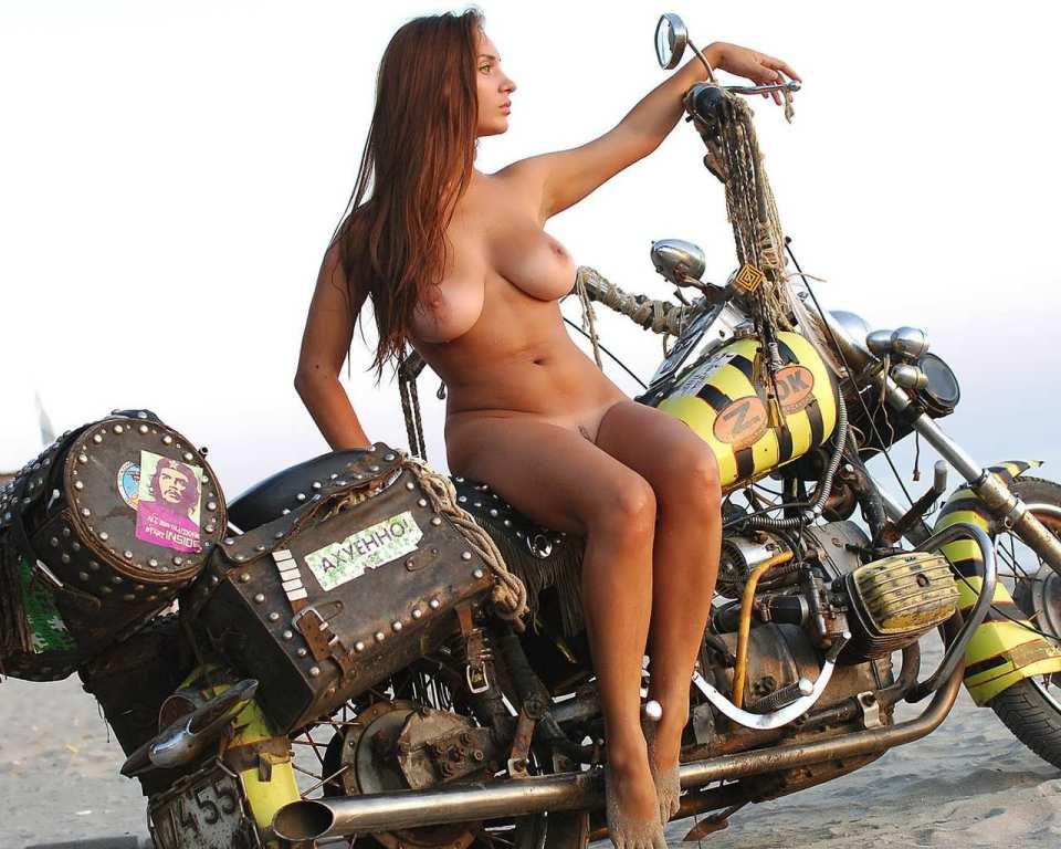 фото голые байкерши