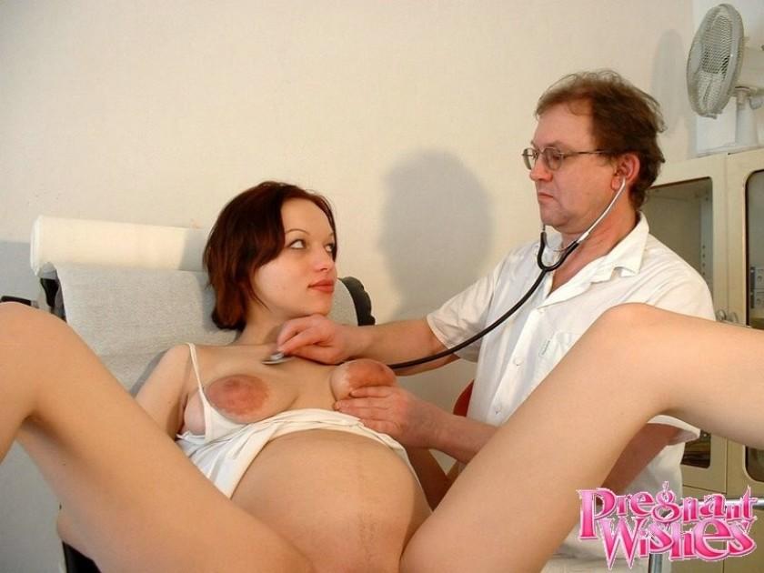 На приеме гинеколога беременная порно