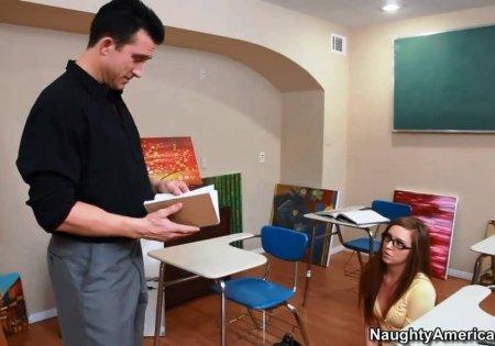 Устроил взбучку озабоченной студентке (HD ВИДЕО)