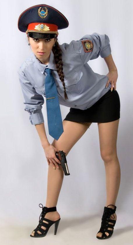 Девушка в форме милиции от трахала