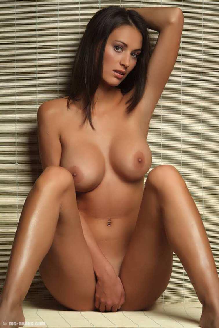 Самая красивая телка в мире порно фото 22 фотография
