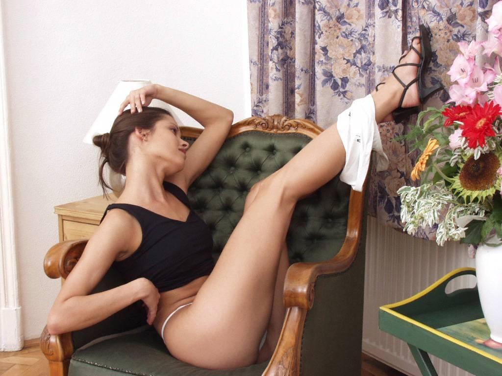 Порно не снимая стрингов онлайн смотреть
