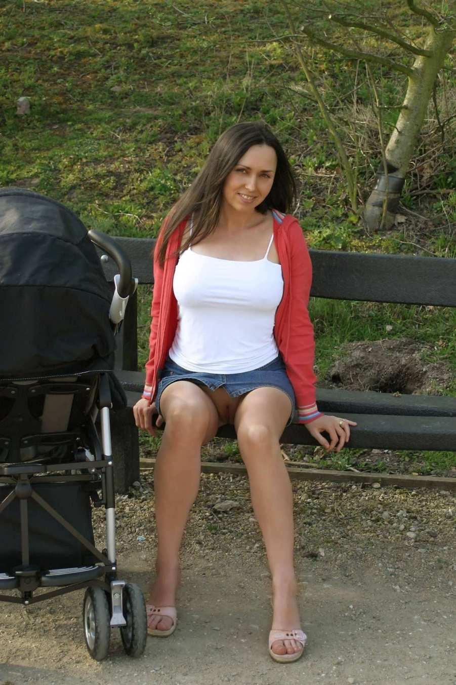 Молодая мама без трусиков фото в хорошем качестве 720 фотоография