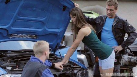 Слесари СТО трахают юную хозяйку авто (HD ВИДЕО)