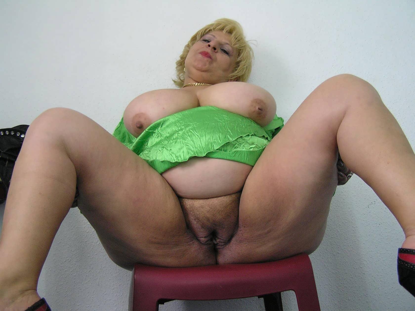 огромные самые видео порно голые тётки сирьки