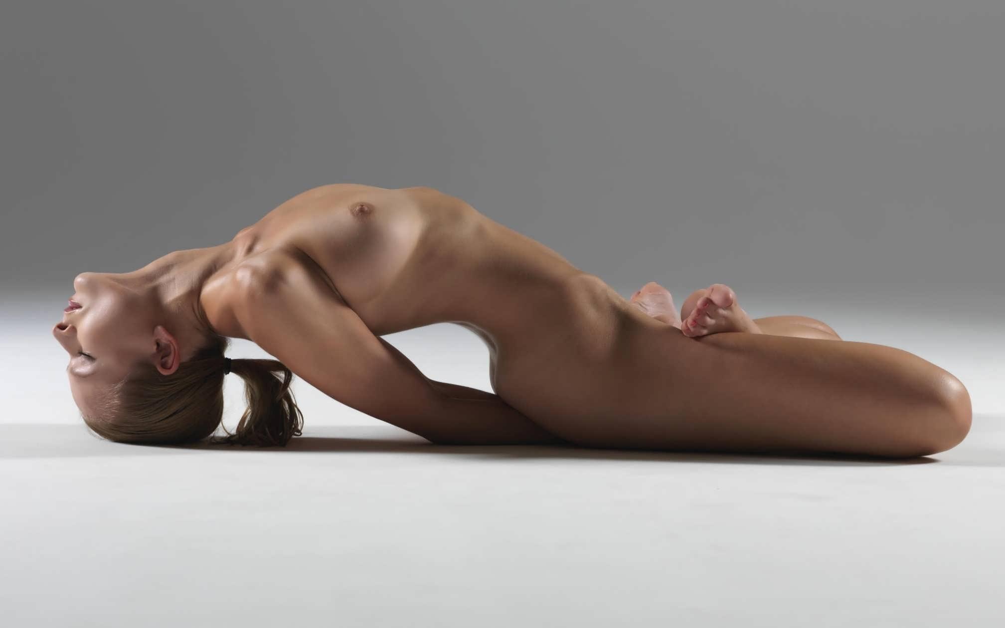 Фото голих в теле 9 фотография