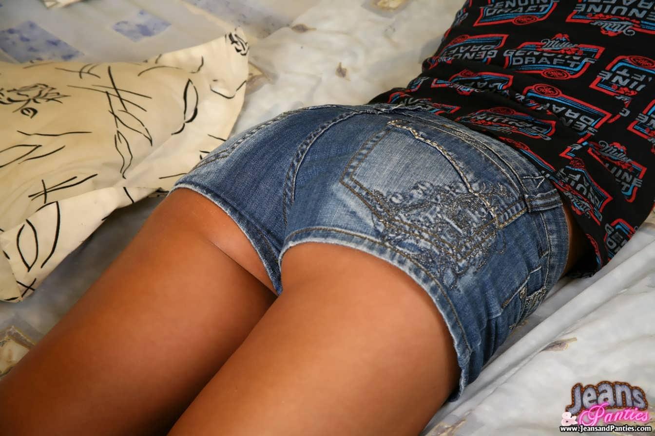 Видео секс с толстушкой в шортах в обтяг
