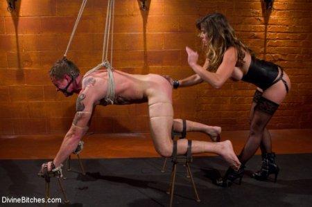 Госпожа замучила раба — а потом дала (ФОТО)