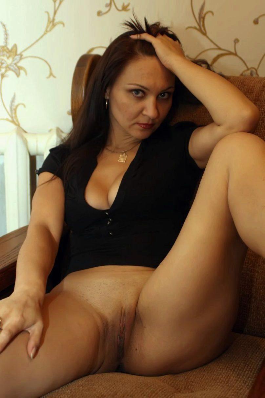 Секс с молодой русской тещей, сисястая на пляже мастурбирует