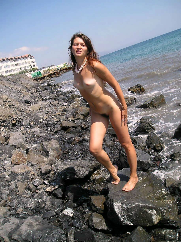 Извиняюсь, голые на пляже в сочи улыбку