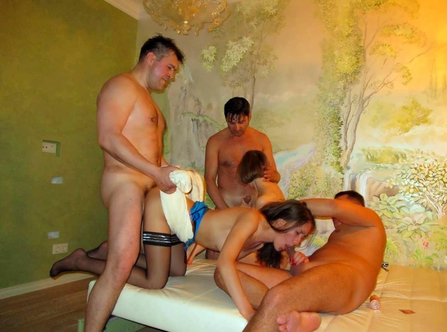 Домашнее порно свингеров и обмен жёнами на ПорноНа.Нет