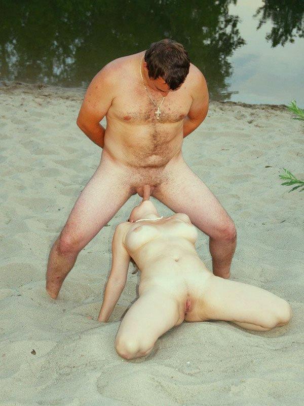 гарема толстый мужик трахает на пляже чем лучше