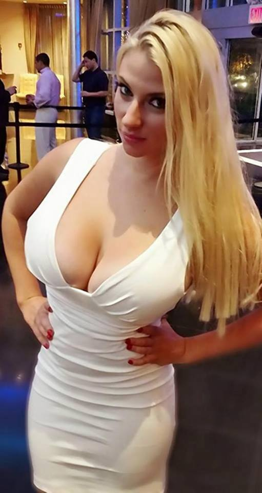 DDD Gals - free daily updated galleries of hot busty babes