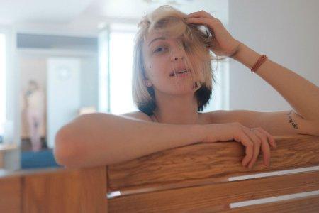 Скандалистка Леся Рябцева и ее интимные татуировки (ФОТО)