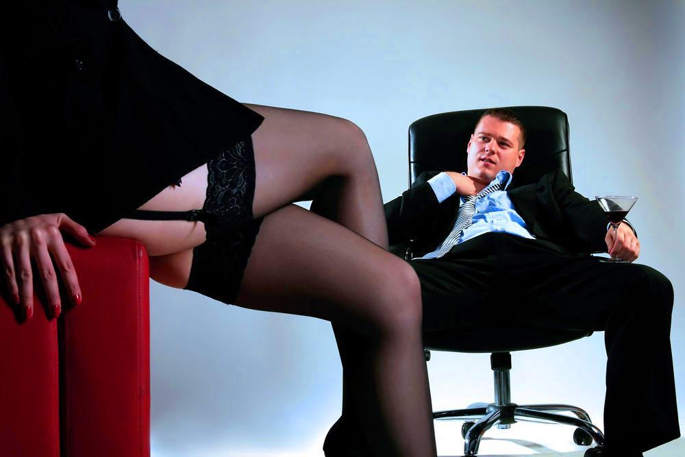 Порно рассказы секретарша в подарок фото 462-425