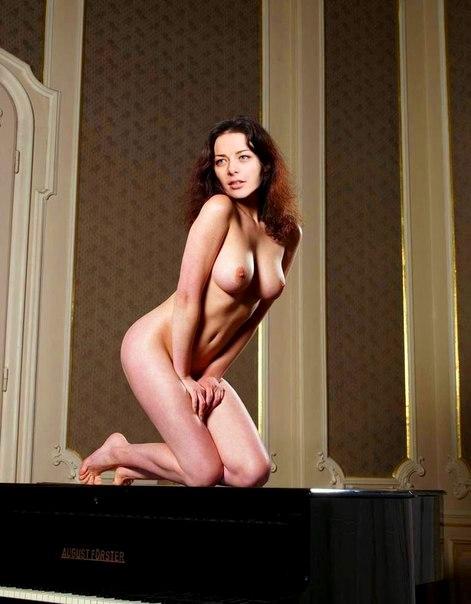 фото голая даша александрова