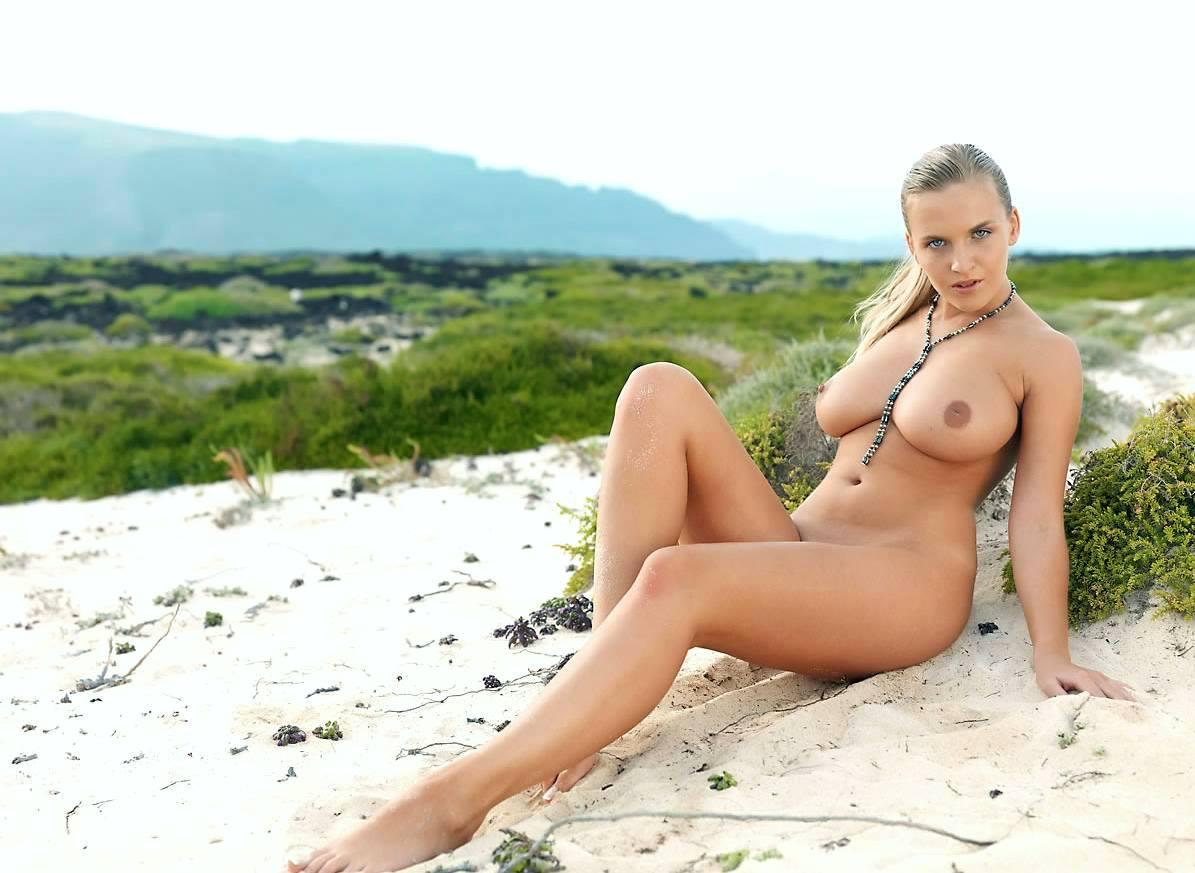 Фото сиськастых голых девушек 15 фотография