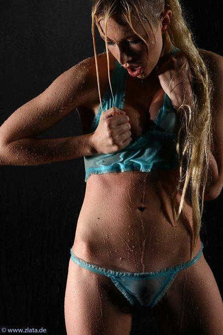 Юлия Гюнтель — самая гибкая девочка в мире (ФОТО)