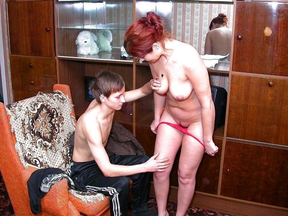 Порно фото сын молодую маму