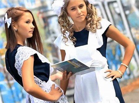 Провокационные наряды луганских школьниц (HD ВИДЕО)