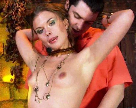 Порно актриса поёт в группы