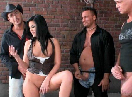 Как снимали Gang Bang с Madison Parker (ВИДЕО)