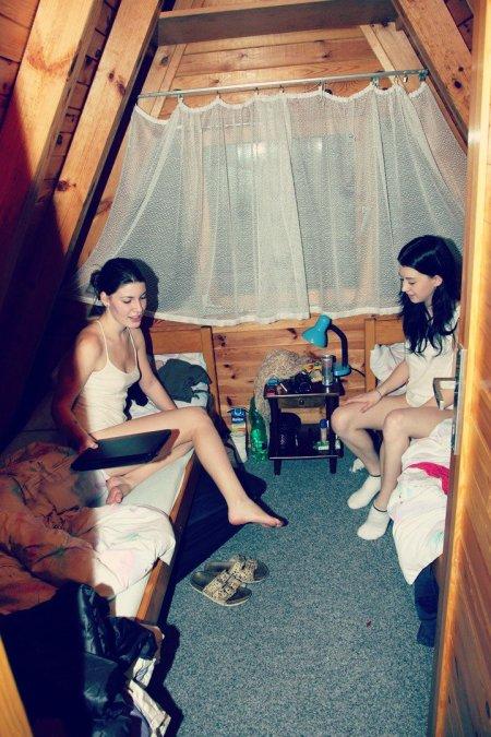 Подглянули за девчонками в душевой (ФОТО)