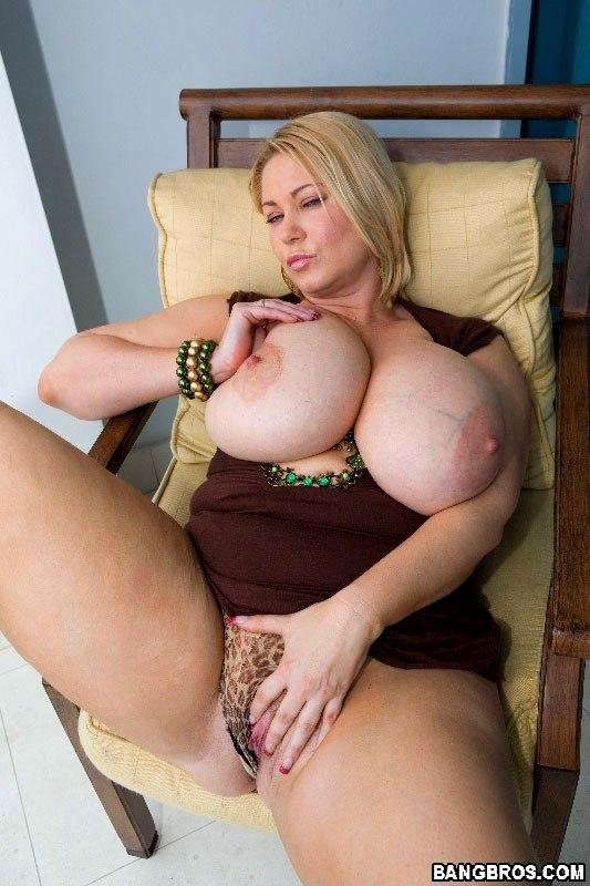 Видео больших сисек 8 размера толстых мамаш 3ggp