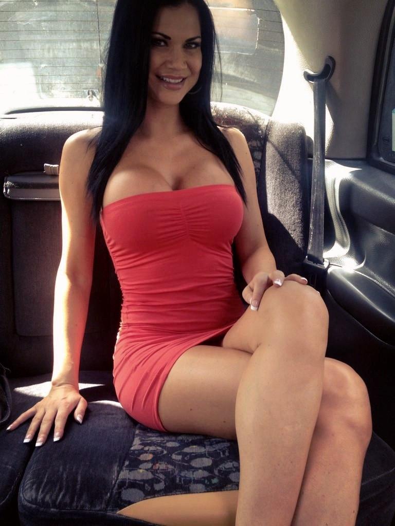 Публичный секс в авто видео
