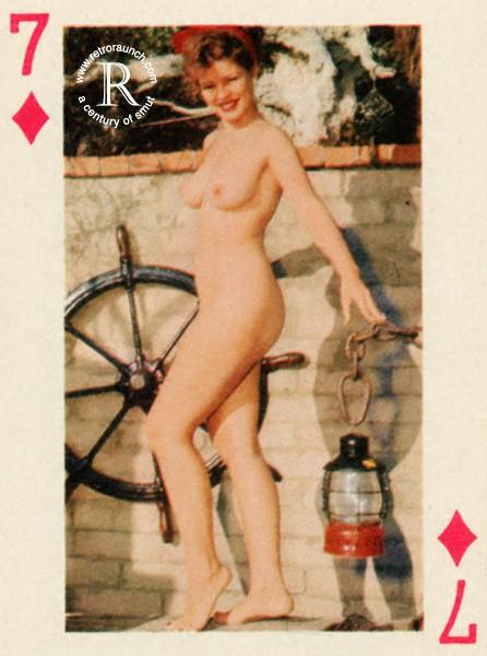 igralnie-porno-karti-foto-klitor-ogromniy-drozhit-ot-orgazma