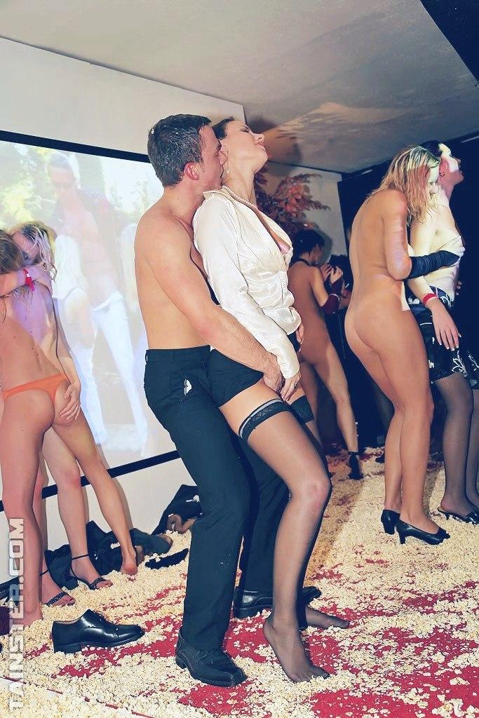 Эротические конкурсы в ночных клубах 78 фото НЮ