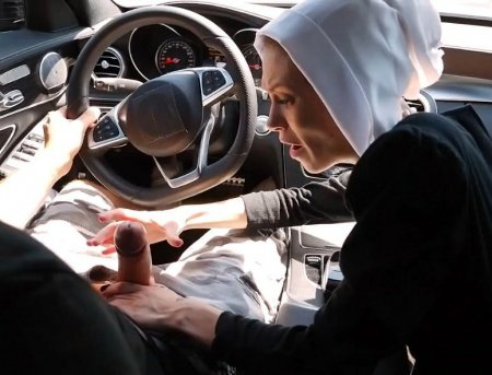 Безумная монахиня в поисках хуйца (ВИДЕО)