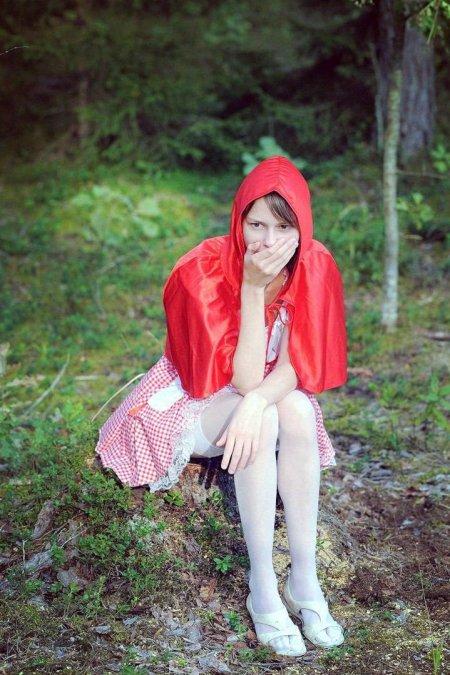 Красная шапочка и ебучий серый волк (ФОТО)