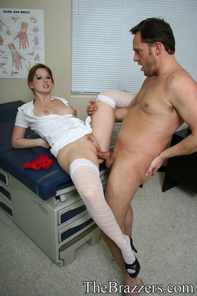 Медсестру трахнул фото