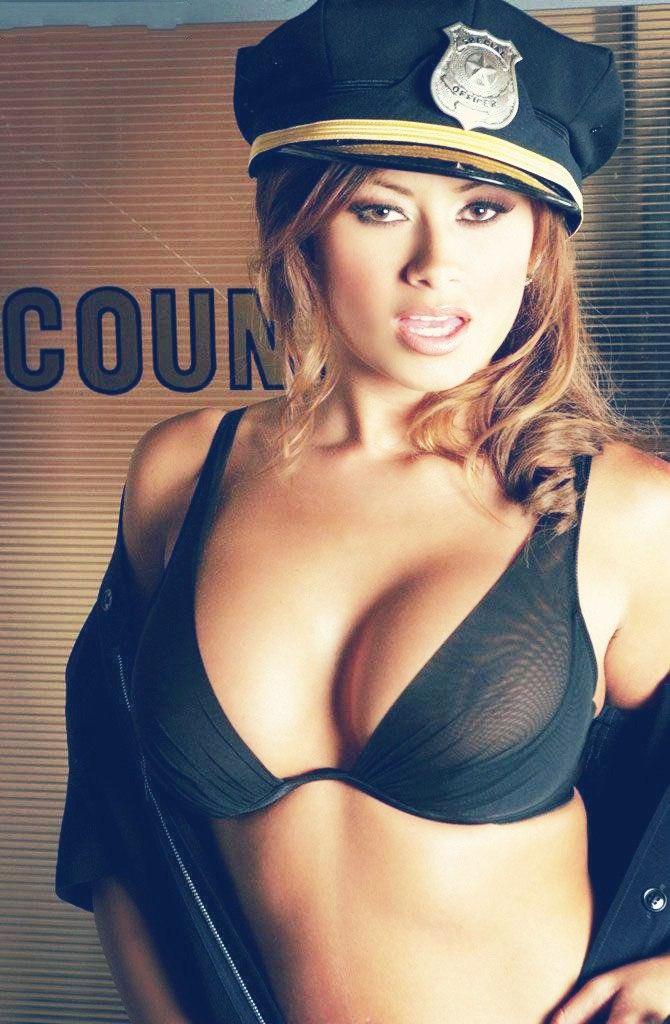 Авто объявление порно с молодыми работницами милиции прелести