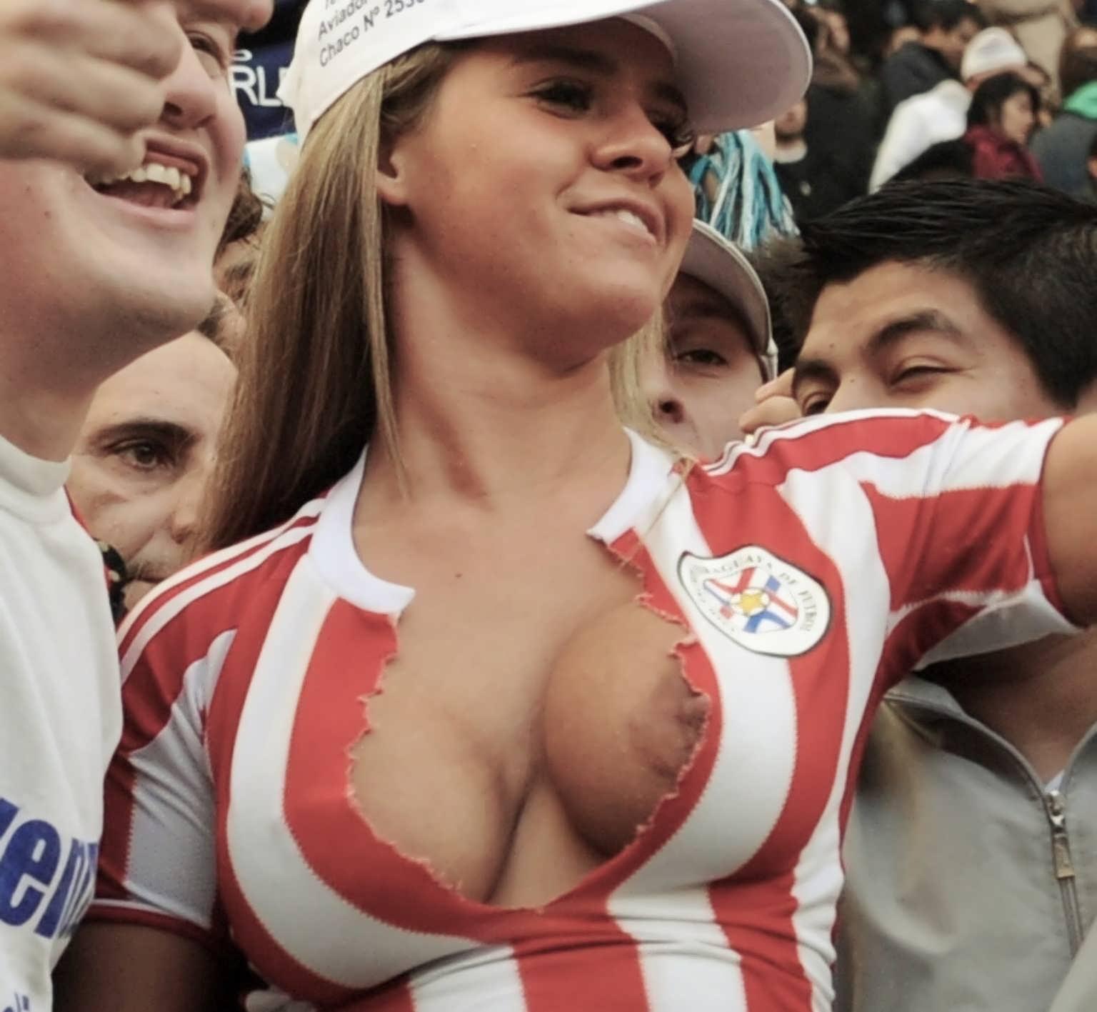 golie-fanatki-v-futbole