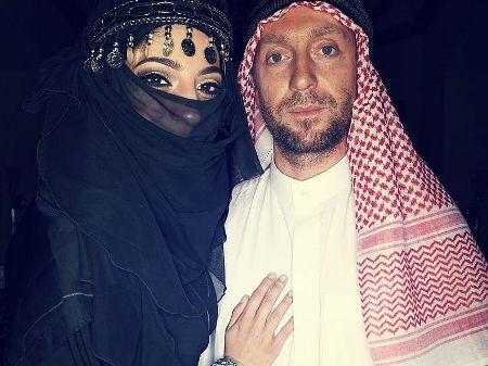 Шейх развлекается с одной из жен (ФОТО)