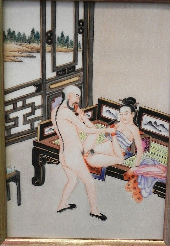 kartinki-iz-muzeya-erotiki