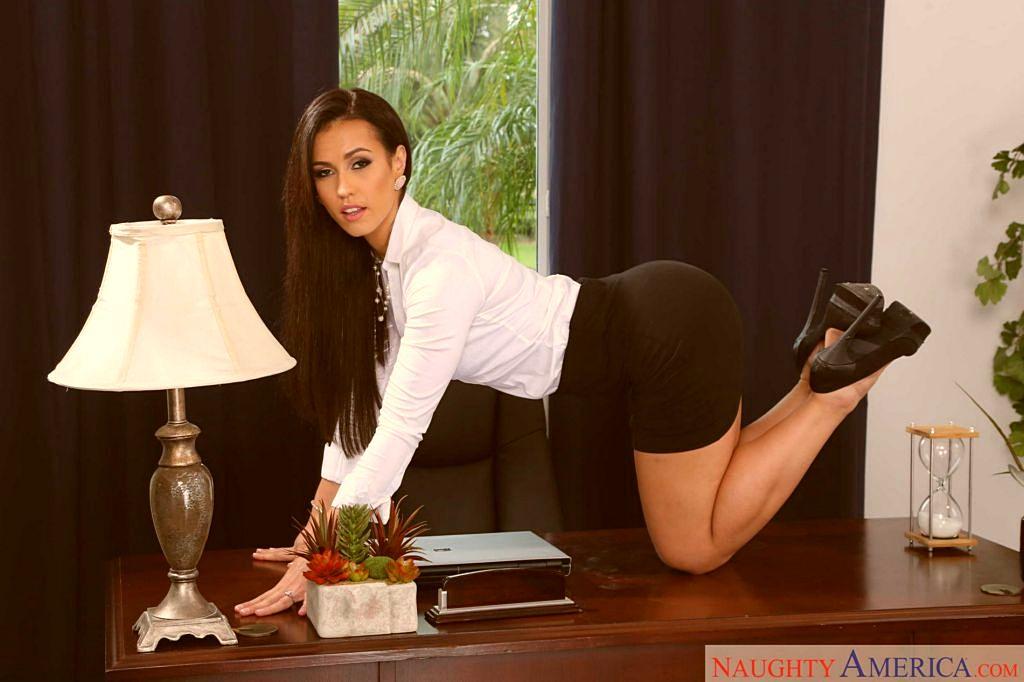 Секретарши подсмотренные эротические фото — photo 14