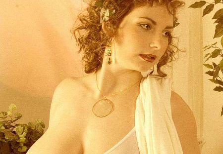 Античная богиня с огромной грудью (ФОТО)