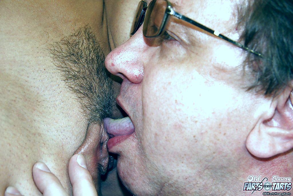 Инцест рассказы и порно истории про секс  мать учит сына