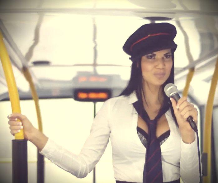 Порно фото оргия в транспорте, классный отлиз боссу
