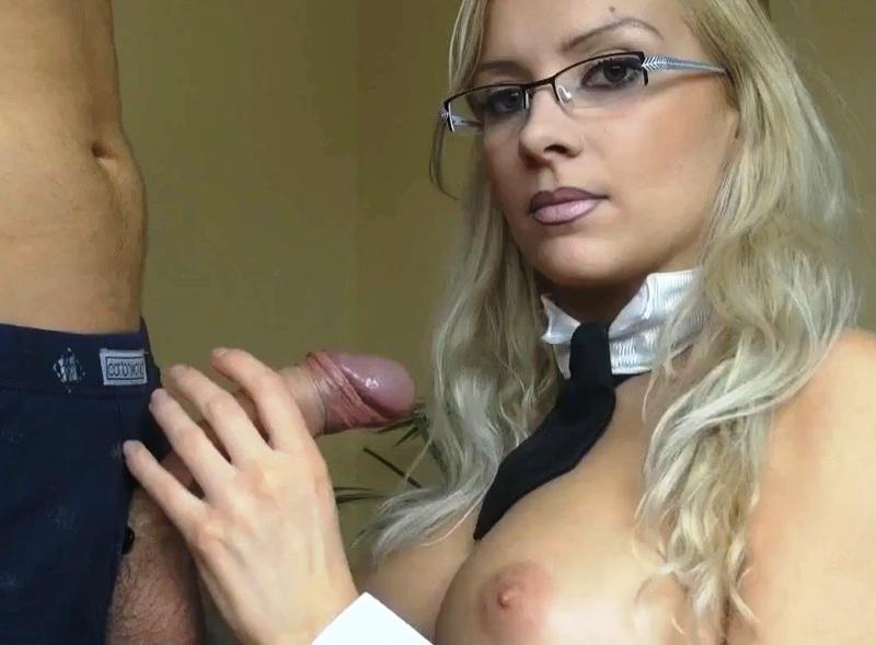 Девушка в очках порно секс эротика
