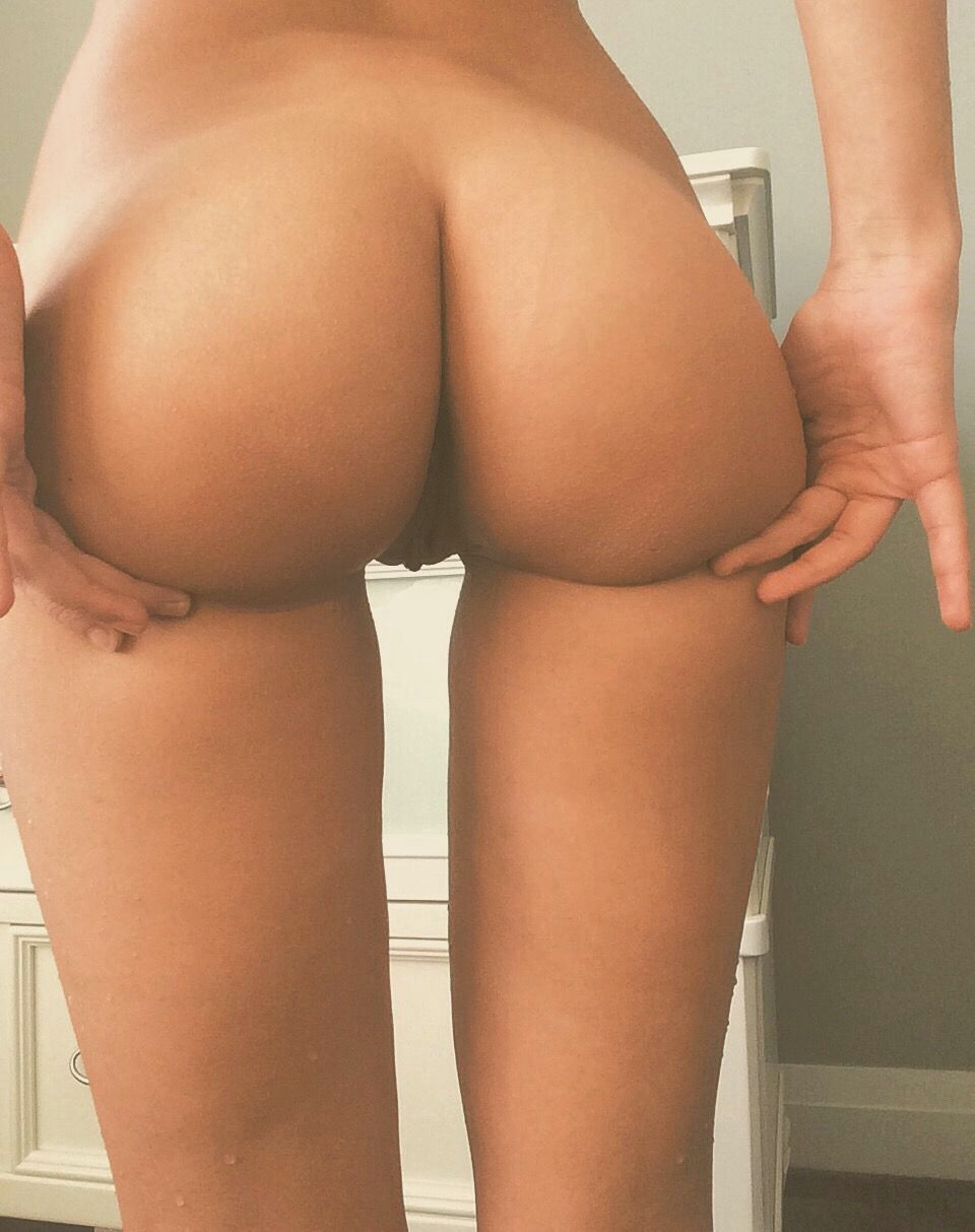 Sexy Naked Butt Pics