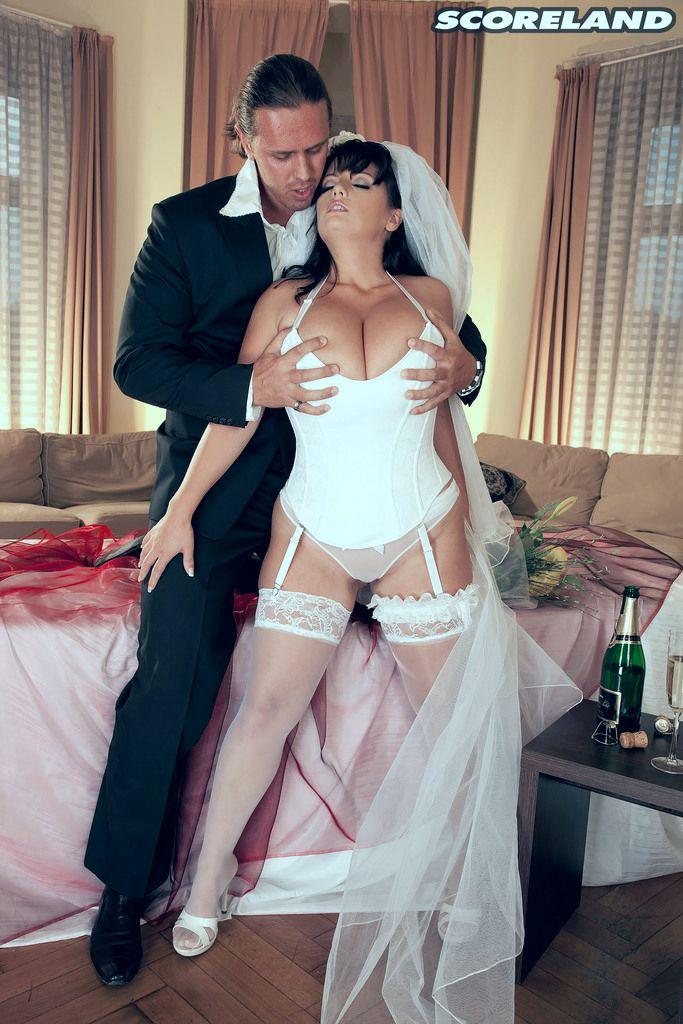 Голландские порнофильмы порно на тему сбежавшая невеста тетю сосать видео