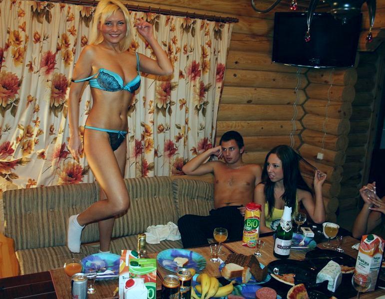 красавица русское видео из бань студенты смотреть