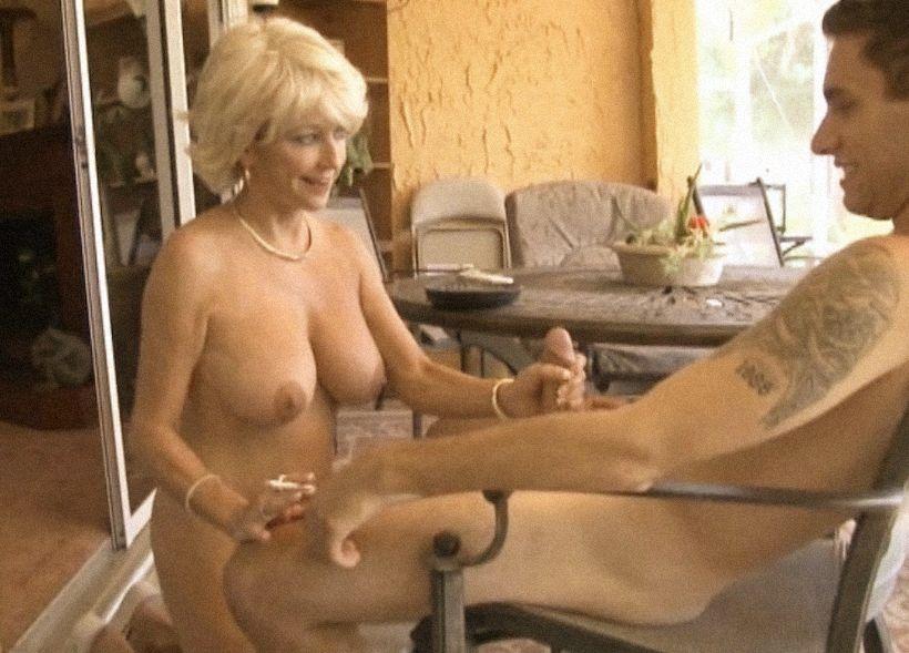 Порно из категории отвисшая грудь, как нужно дрочить парню самому себе чтобы кончить