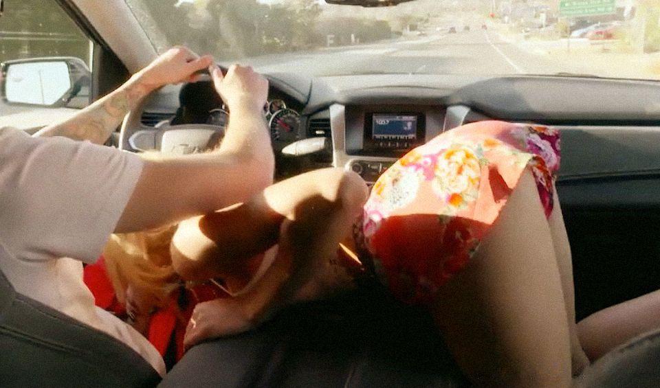 eroticheskiy-film-seks-v-limuzine
