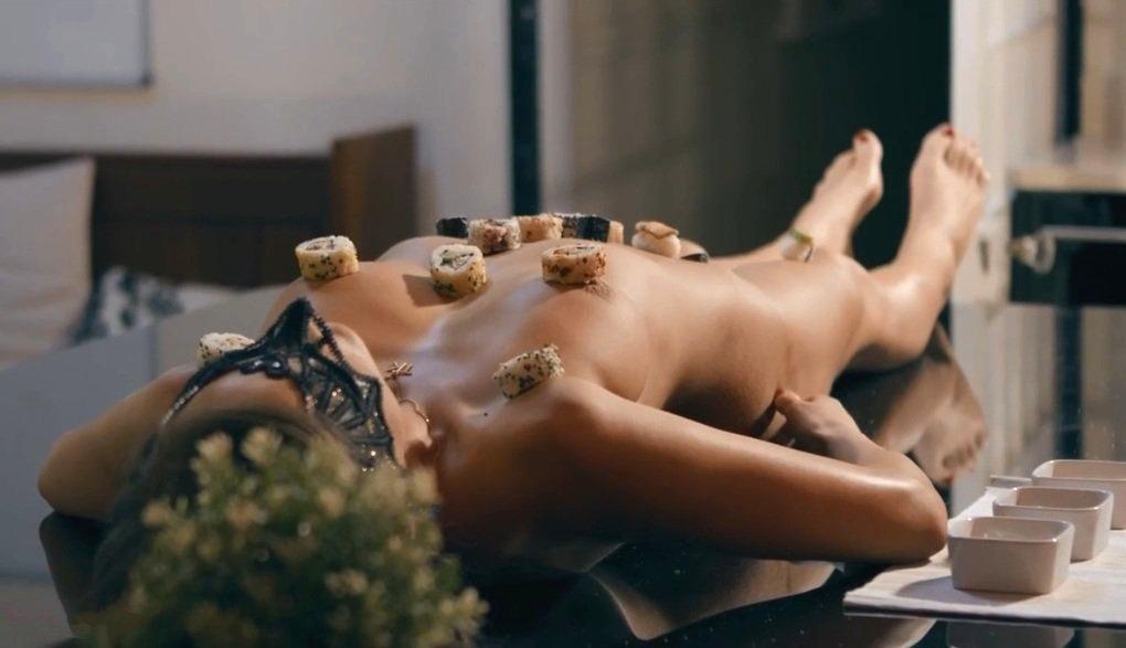 Брызги спермы в воздух видео, мужчины пенисы